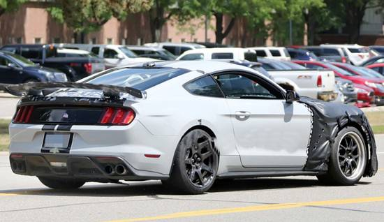 2019 Ford Mustang Pictures